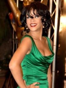Rihanna denies Josh Hartnett romance - now