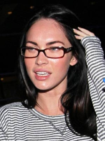 NEW PICTURES of Celebrities wearing glasses - photos