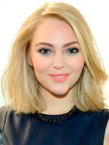 Dear Beautiful ...: Hair Obsession: AnnaSophia Robb