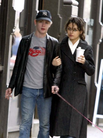 macaulay culkin mila kunis - photo #9